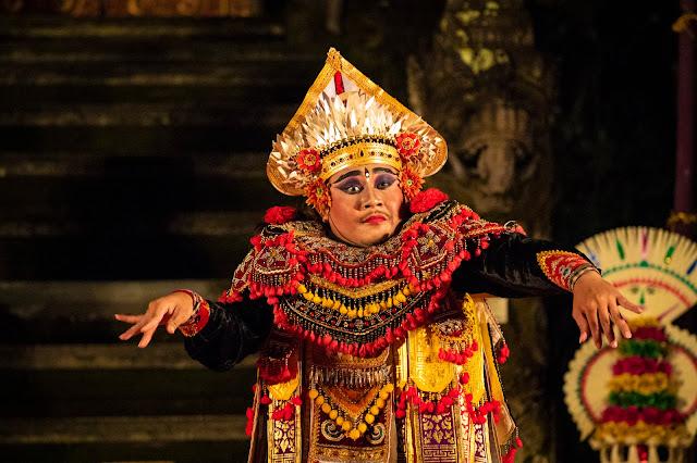 Danza tradizionale balinese Tempio Saraswati, Ubud-Bali