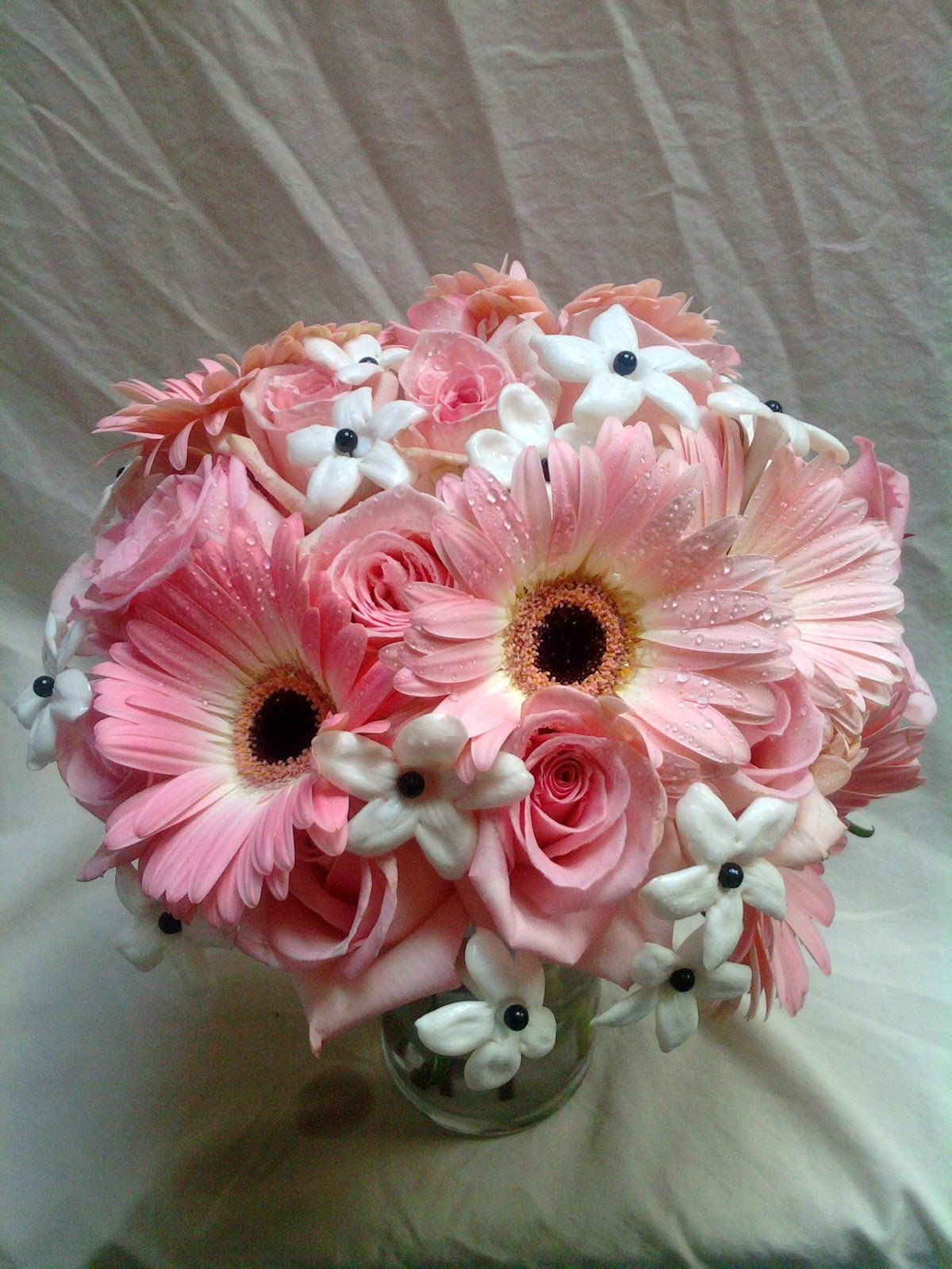 Gerberas wedding flower wedding flowers ideas for Wedding flowers ideas pictures