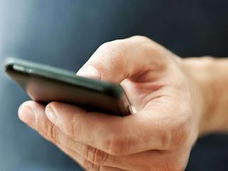 SMARTPHONE THUMB, DAMPAK BURUK AKIBAT TERLALU SERING MENGGUNAKAN SMARTPHONE