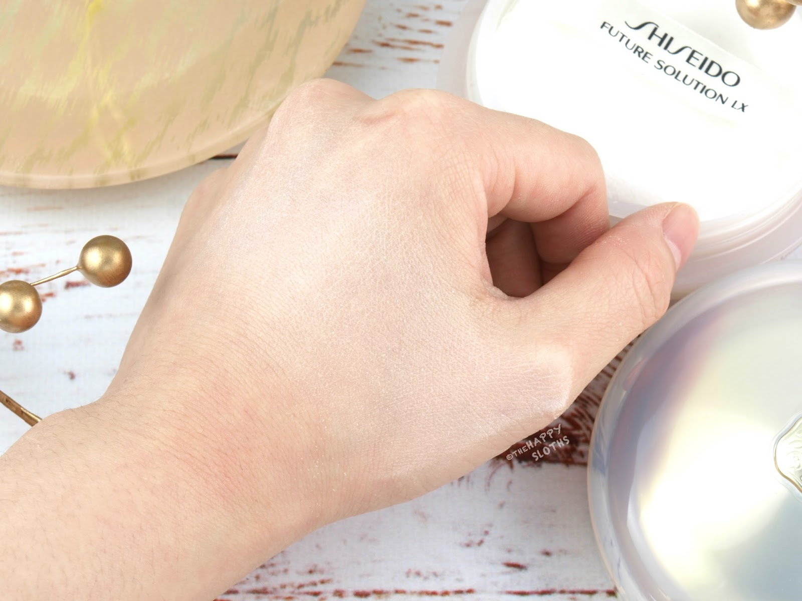Shiseido | Future Solution LX Total Radiance Loose Powder: Review