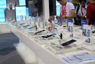 Thiết bị trưng bày chống trộm điện thoại trải nghiệm