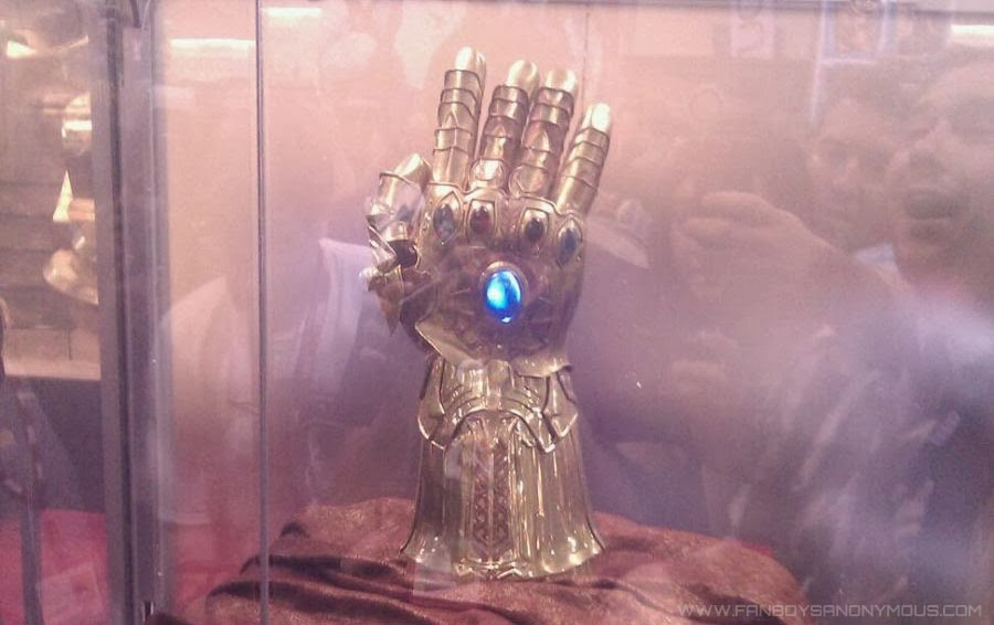 Thanos wearing Infinity Gauntlet in Avengers 3