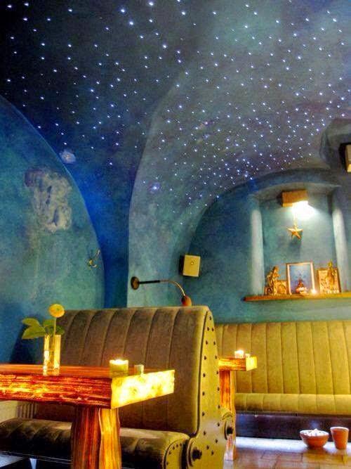 Berikut Merupakan Idea Untuk Seni Hiasan Bilik Tidur Yang Berkonsepkan Bintang Malam