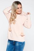 Pulover SunShine rosa casual din material tricotat moale si pufos cu gluga nedetasabila