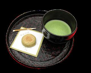 celebrando la ceremonia del te con un rico wagashi
