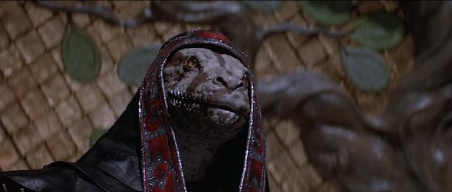 Una mujer mata a su novio después de discutir por culto a reptilianos
