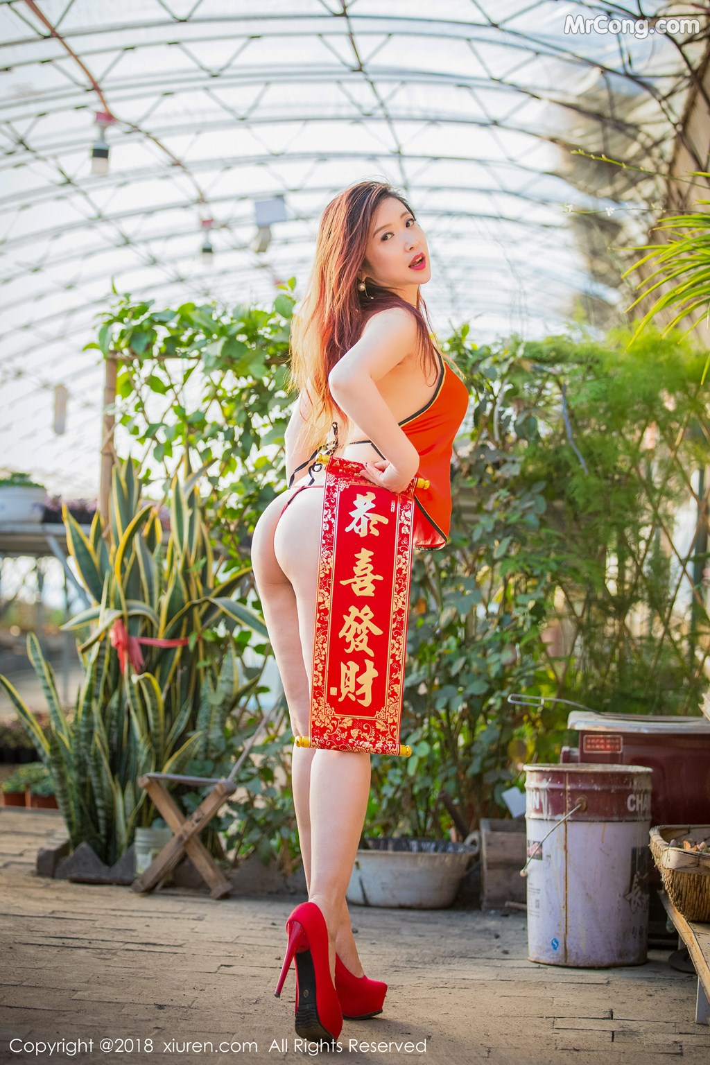 Image XIUREN-No.887-Xi-Xi-Bai-Tu-MrCong.com-016 in post XIUREN No.887: Người mẫu Xi Xi Bai Tu (西希白兔) (44 ảnh)