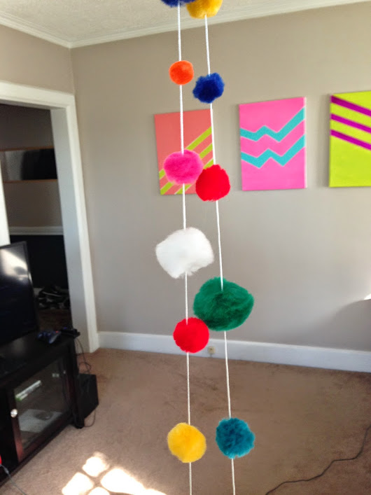 Holiday DIY: Pom-Pom Garland