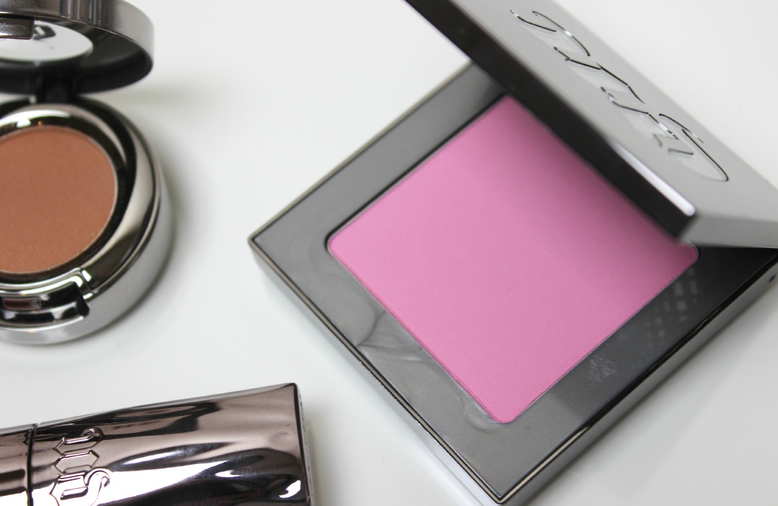 A picture of Urban Decay Afterglow 8-Hour Powder Blush in Obsessed