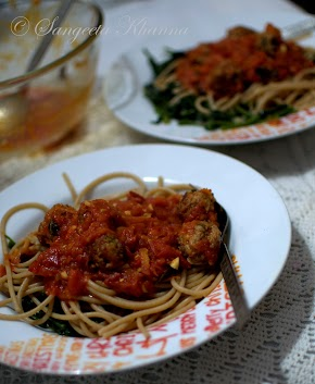 spaghetti with chicken meatballs | pasta made healthy...