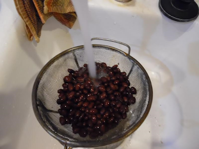 Photo of rinsing the black beans