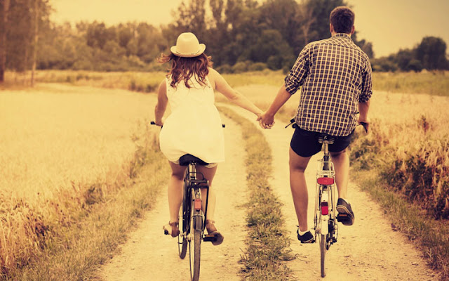 Beautiful Feel Free Love Couple Bicycle Images