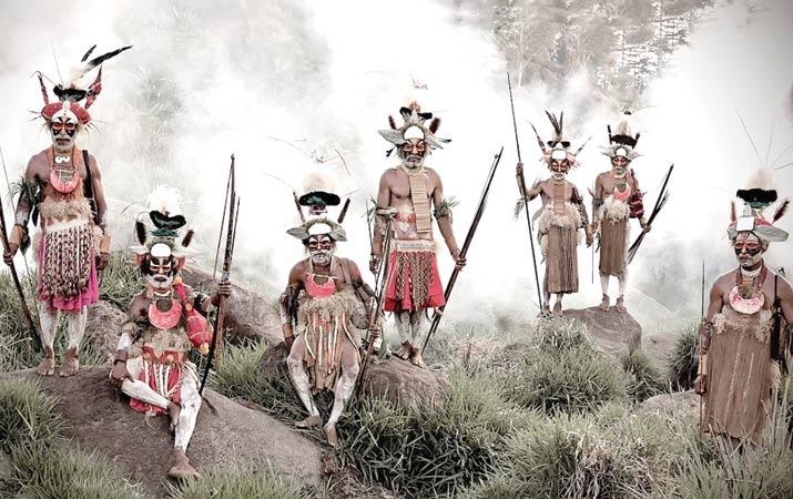 Mengenal Suku Sentinel yang Tak Ragu Memanah Orang Asing