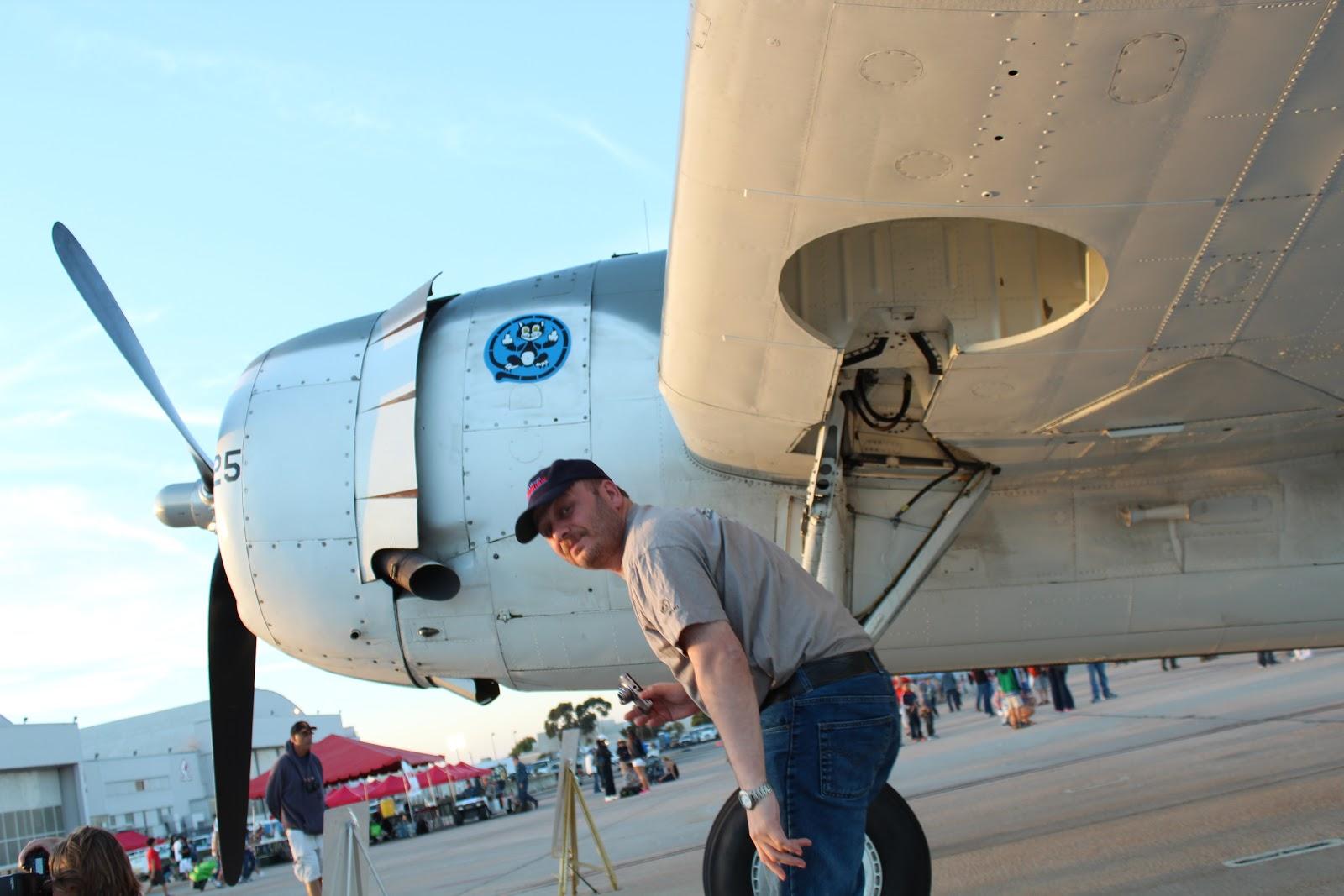 СерБ на MCAS Miramar Air Show 2012