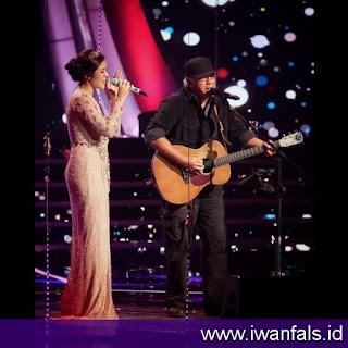 gambar Iwan Fals foto iwan fals raisa duet konser