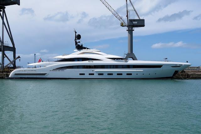 Yacht Yalla, IMO 1012220, porto di Livorno