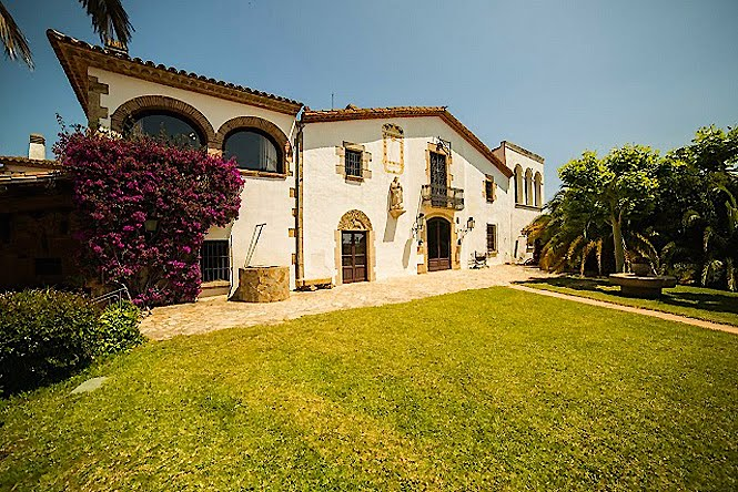 Subirachs Aro Mansion Costa Brava