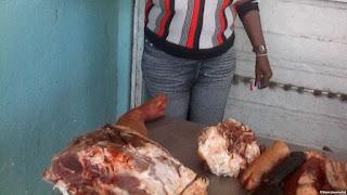 Venta de carne putrefacta Reporta Cuba Foto Rosario Morales