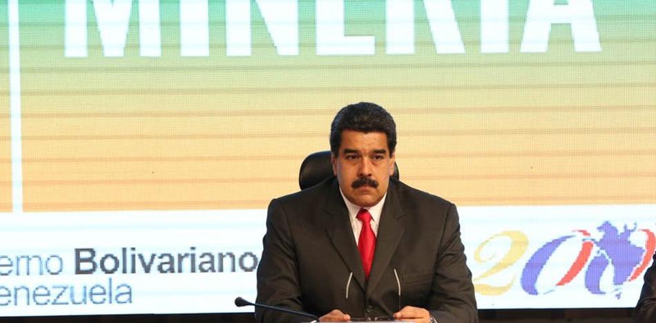 Venezuela tiene inflación y carece de efectivo en administración de Maduro / TWITTER