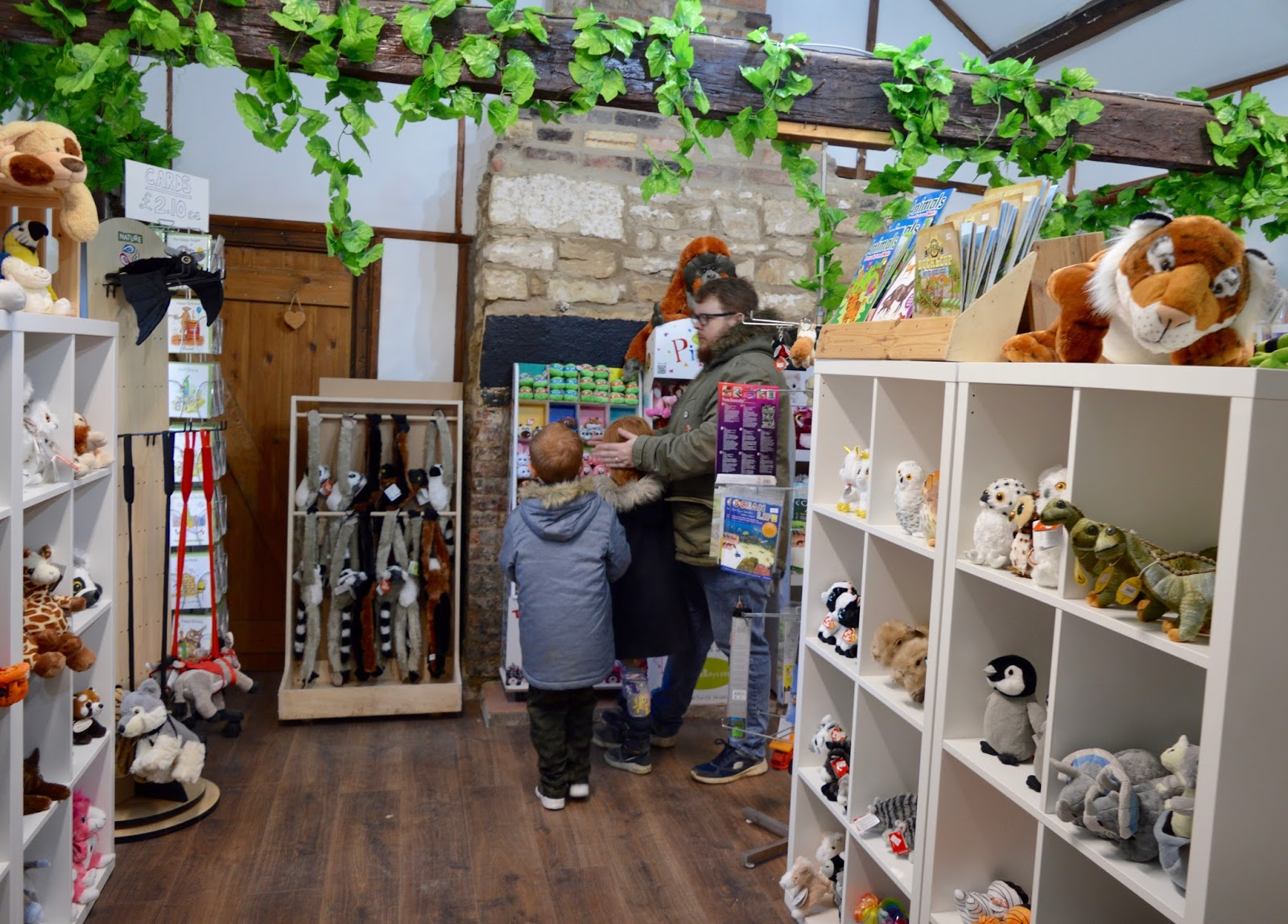 Northumberland County Zoo Reviews - gift shop