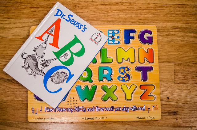 Dr.Seuss_a_dřevěné_puzzle_abeceda