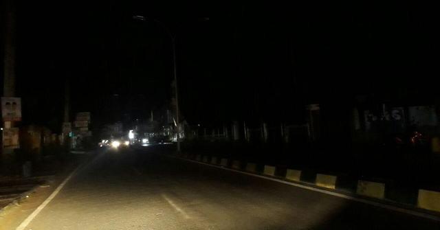 Jalan Ahmad Yani Bone Sudah Sebulan Gelap Gulita