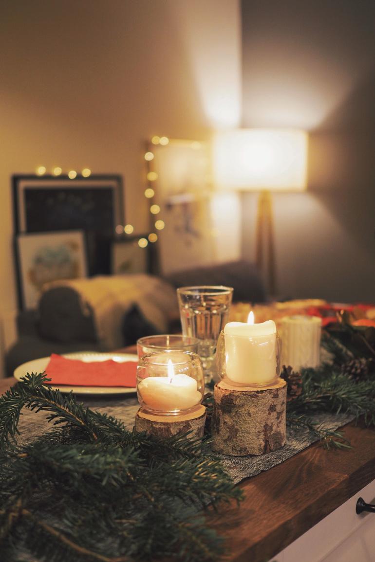Décoration de table pour un dîner de Noël entre amis