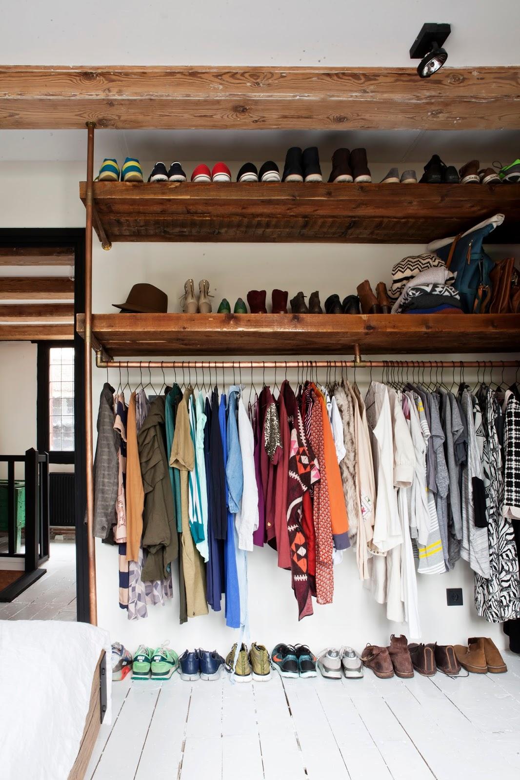 10 trucs pour tre inspir e par ta garde robe styliste pour emporter - Tablette pour garde robe ...