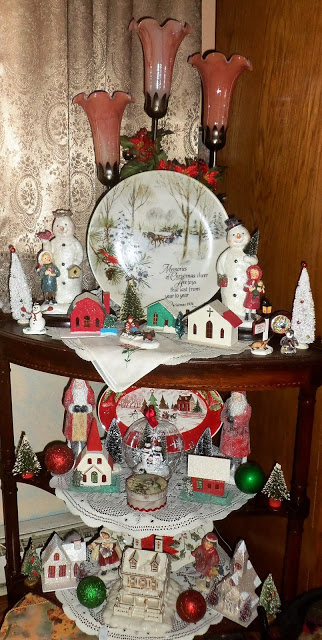 """An """"Old Fashioned"""" Christmas in the Living Room, Part 2, Christmas Home Tour, 2017"""