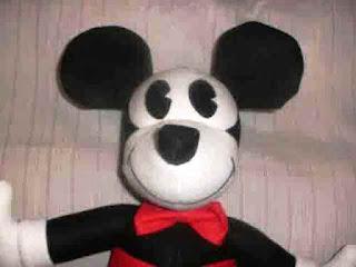 Gambar Boneka Mickey Mouse Lucu 7