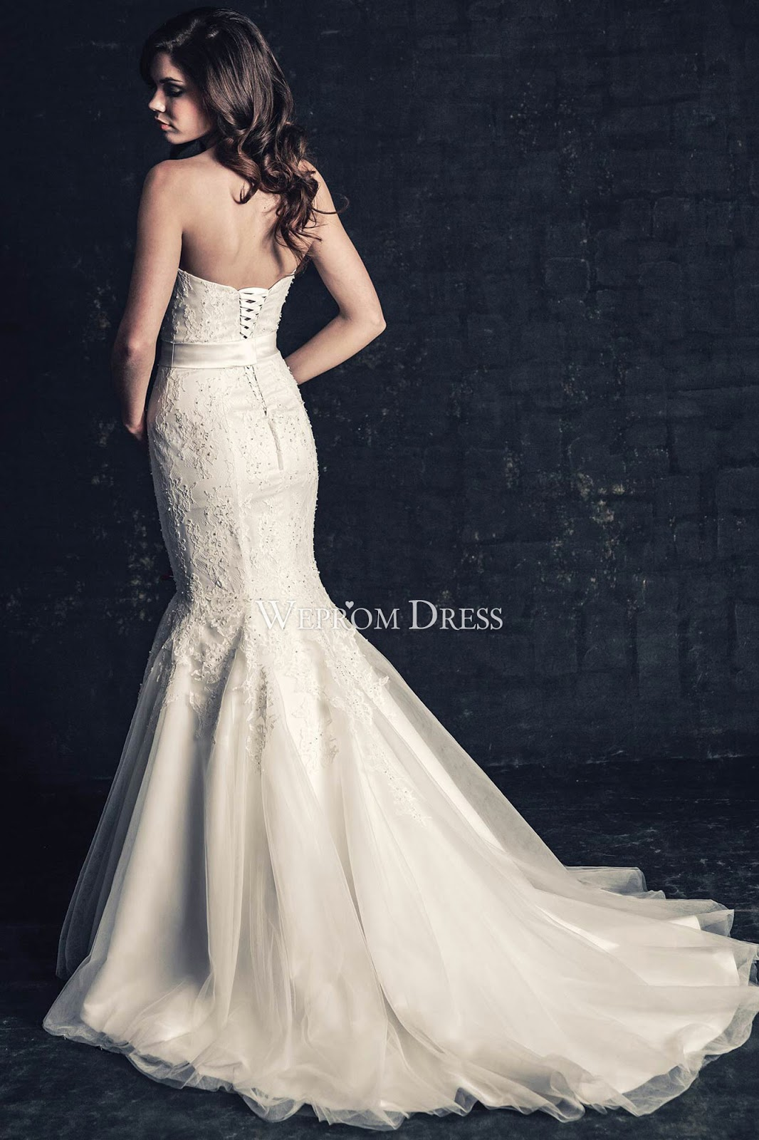 Splendidamente belle con weprom dress fashion make up for Sell wedding dress to store