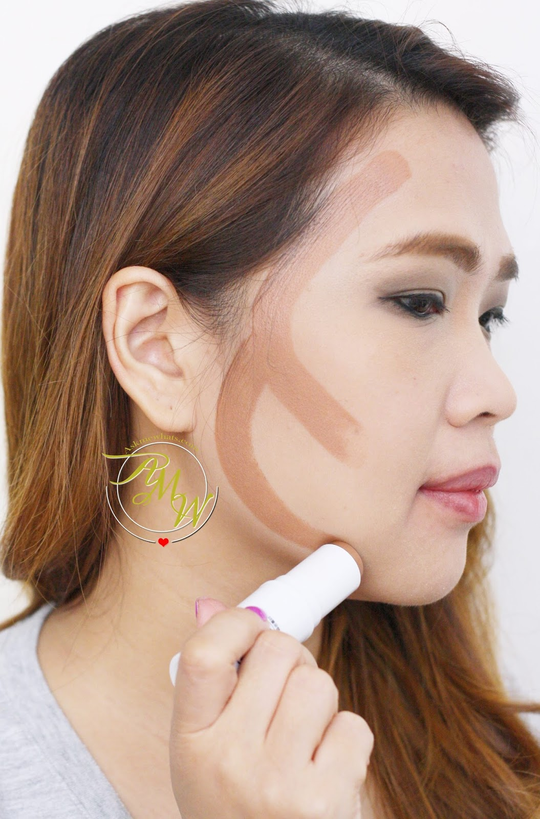 A Photo On How To Apply Wb 3d Face Shading Stick