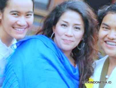 Lirik Mbiring Manggis dari Tio Fanta Pinem