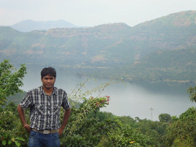 On the way of Lavasa-Temghar dam