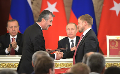Signing of documents following Russian-Turkish talks.