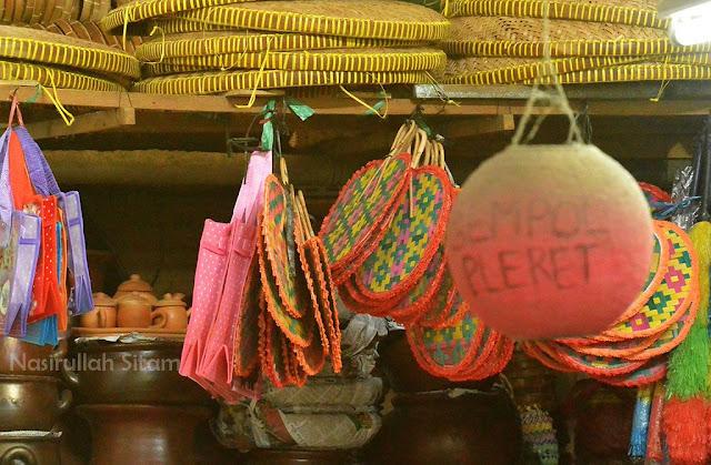 Berbagai barang yang di jual di dalam pasar Gede
