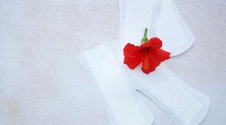 7 Tips Cara Membedakan Gejala Haid Dan Hamil, Bercak Darah