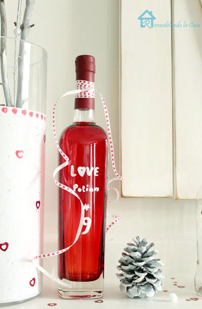 diy love potion #9 to decorate for Valentines