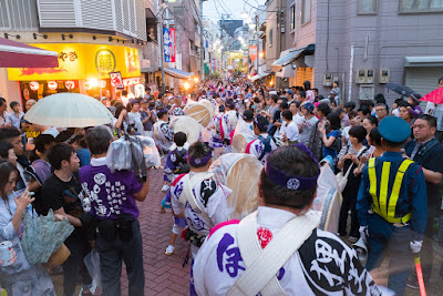 An alleyway of Koenji, chock-a-block with dance procession and spectators, Koenji Awa-Odori Festival, 2016.