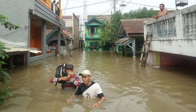 Tanggerang Banjir Besar, Ratusan Keluarga Mengungsi karena 1.000 Rumah Terendam