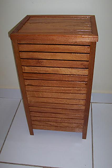 cesto-de-roupa-suja-feito-com-sobras-de-madeira-abrir-janela