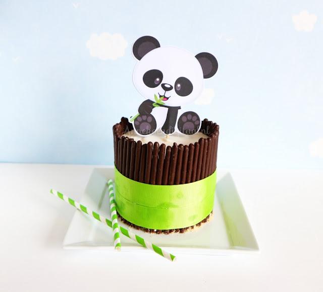Panda taart makkelijk te maken met kwarktaart mix, panda printable, panda taart maken, recept kwarktaart, mikado koekjes gebruiken voor taart
