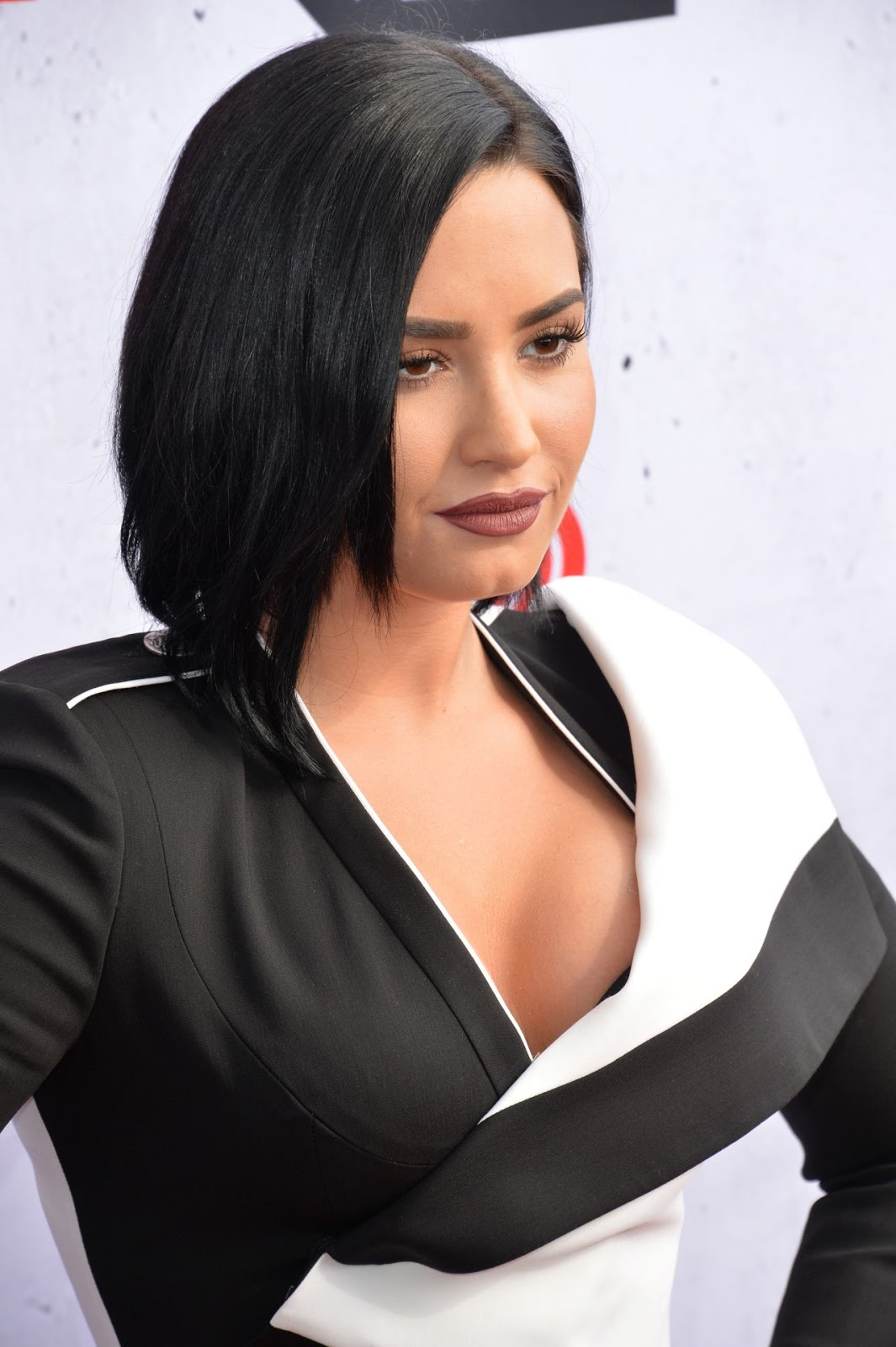 Demi Lovato bares cleavage at the iHeartRadio Music Awards in LA