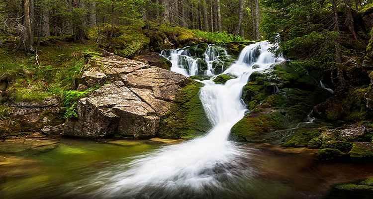 Cascada Lolaia din Hunedoara, Romania