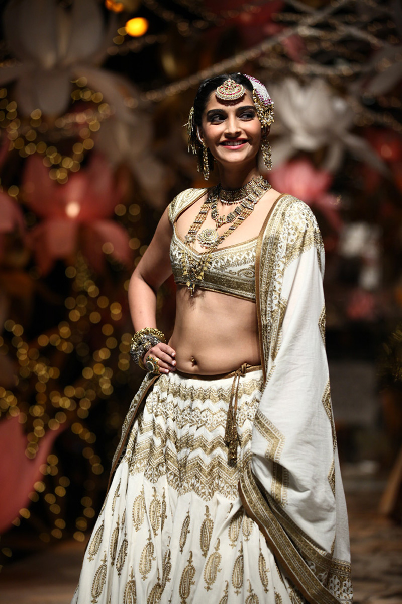 Sonam Kapoor Hip Navel Stills In White Half Saree