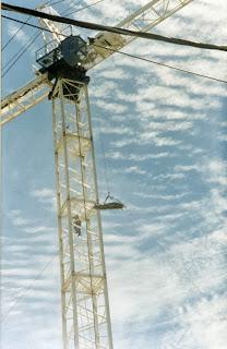 Penggunaan Basket Stretcher Dengan Tower Crane