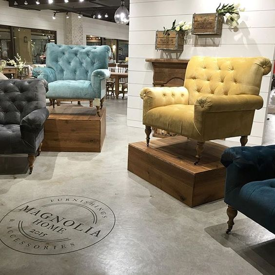 Heidi claire the fixer upper craze for Is all the furniture included on fixer upper