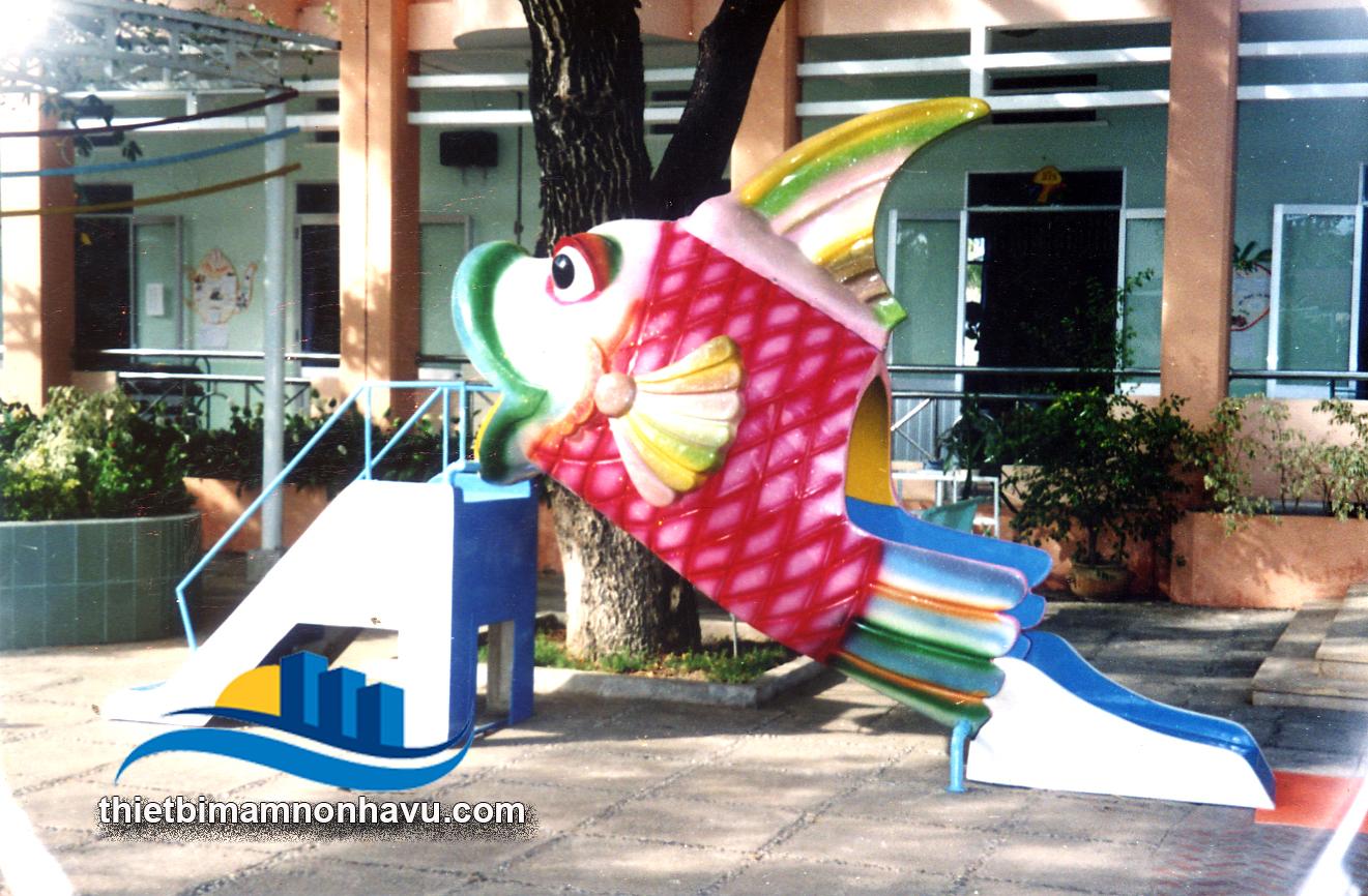 Cầu trượt con cá chép