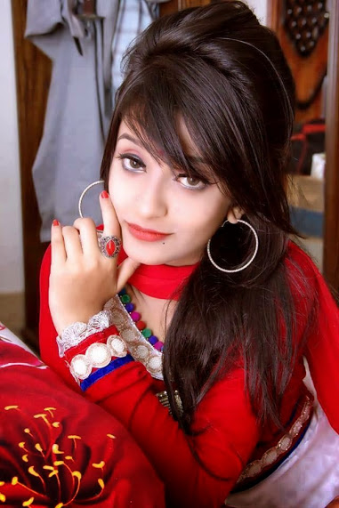 beautiful-Indian-desi-teen-girl-in-red