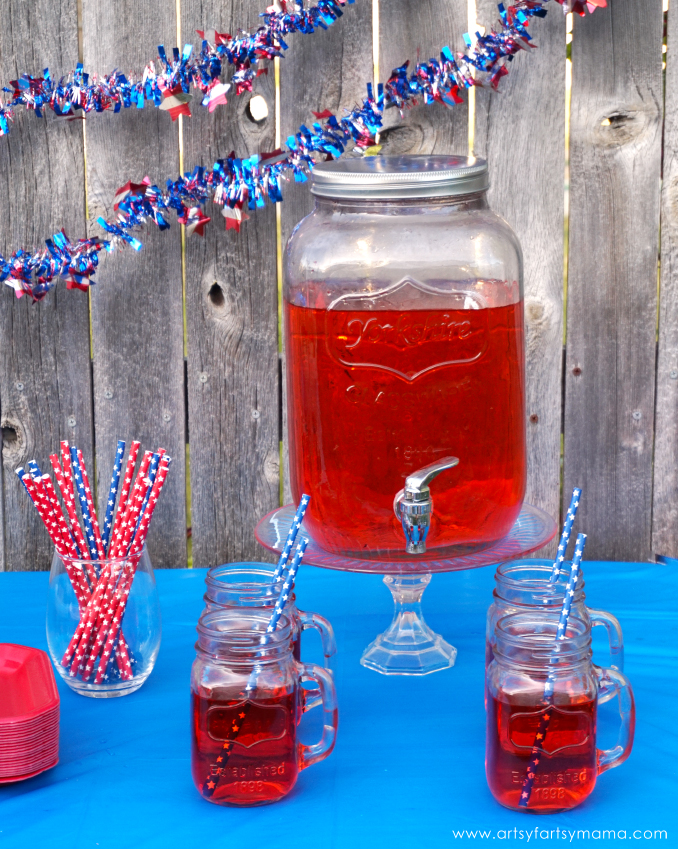 4th of July Backyard Party Ideas | artsy-fartsy mama